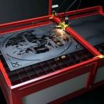 Découpe au plasma d'une tôle afin de créer un résultat unique et artistique