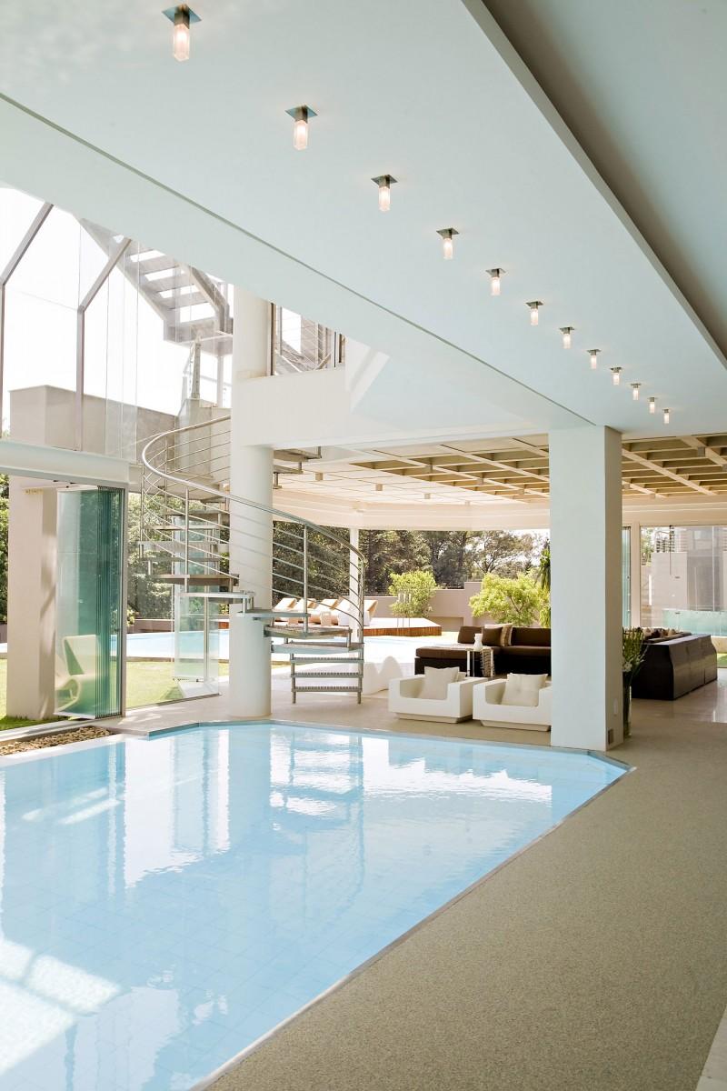 escalier-inox-piscine-sur-mesure